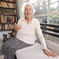 Los tres poemas de Dolores Castro que debes conocer